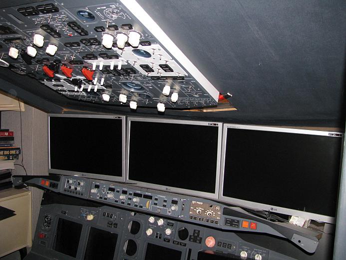 IMG JONG Cockpit02